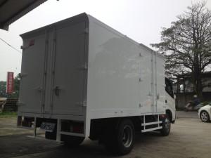 Plastic aluminum plated dry-goods truck body